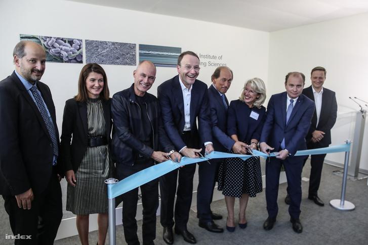 A Nestlé Csomagolástudományi Intézetének megnyitása