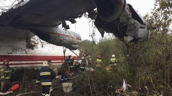 Lezuhant egy teherszállító repülő Ukrajnában, kifogyhatott az üzemanyag