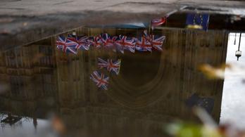 Brexit: csatazaj és fenyegető csend