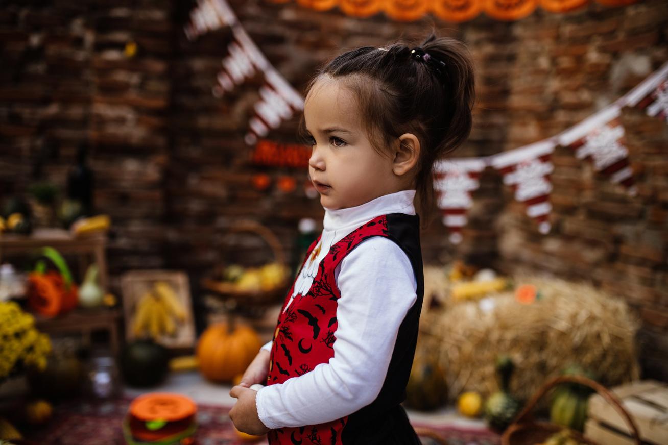 kislany-halloween-fel