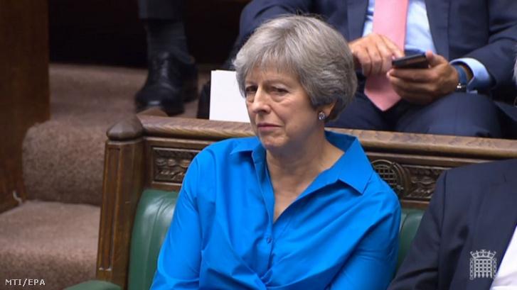 A parlament által közreadott képen Theresa May volt brit miniszterelnök a londoni törvényhozás alsóházának ülésén 2019. október 3-án. A brit kormány az előző nap juttatta el az Európai Unióhoz megállapodási javaslatait a brit EU-tagság megszűnésének feltételrendszeréről.