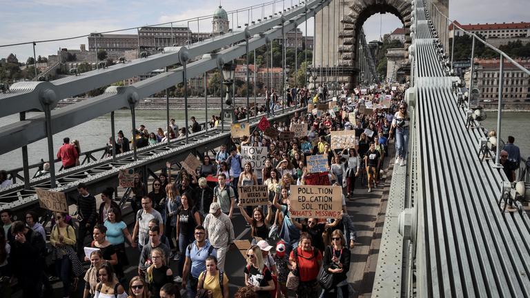 Pár nap alatt 200 ezren töltötték ki a klímakonzultációt