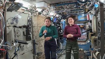 Három hónap alatt tíz űrsétát tesz Christina, Jessica és Andrew