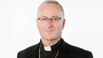 """Lemondott egy püspök, miután """"szexuális természetű viselkedéssel"""" vádolták meg"""