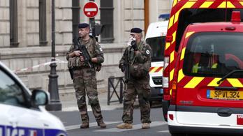 A terrorellenes ügyészség vette át a párizsi késelés ügyét
