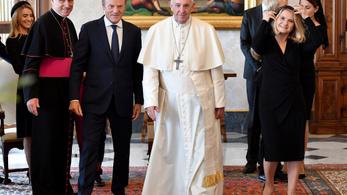 Donald Tuskot fogadta és új bíborosokat kreál Ferenc pápa