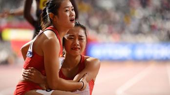 Eszméletlen szerencsétlenkedést mutatott be a kínai váltó