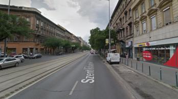 Több nőt is hasba rúgott egy zavart férfi Budapesten