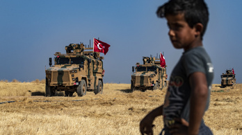 A török hadsereg csapatösszevonásokat kezdett a szíriai határon