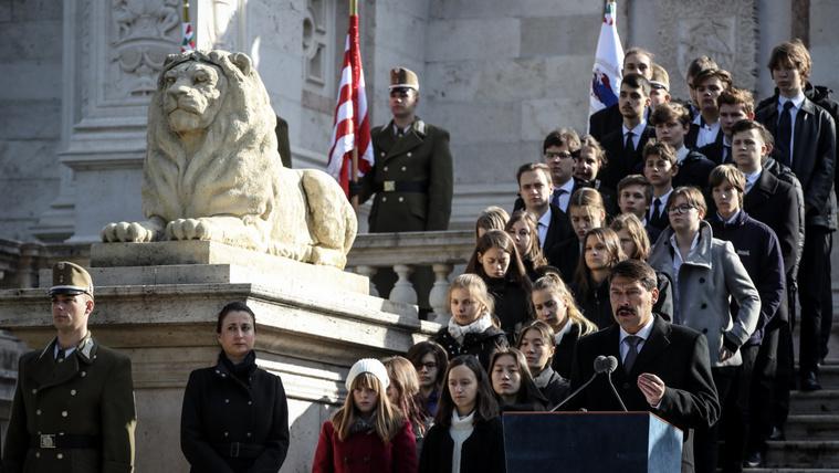 Az utókor szemében a jó kormányzás ritkán válik hősi erénnyé