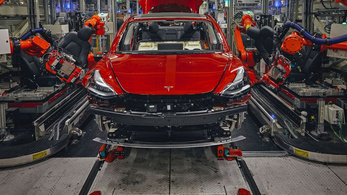 Értékesítési csúcson a Tesla a harmadik negyedévben