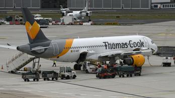 Nem rekedt senki külföldön, minden brit Thomas Cook-károsultat hazaszállítanak
