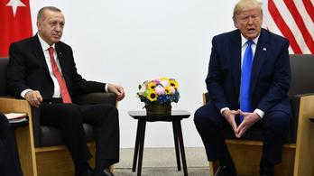 Trump zöld jelzést adott Erdoğannak a kurdok elleni háborúra