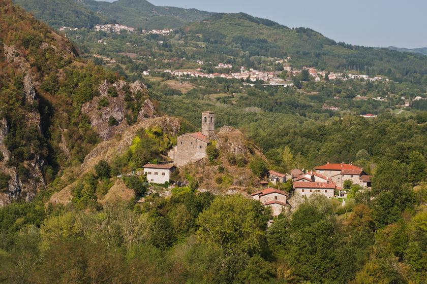 Egy euróért adtak el lakásokat a meseszép olasz városkában - Így néz ki Sambuca di Sicilia