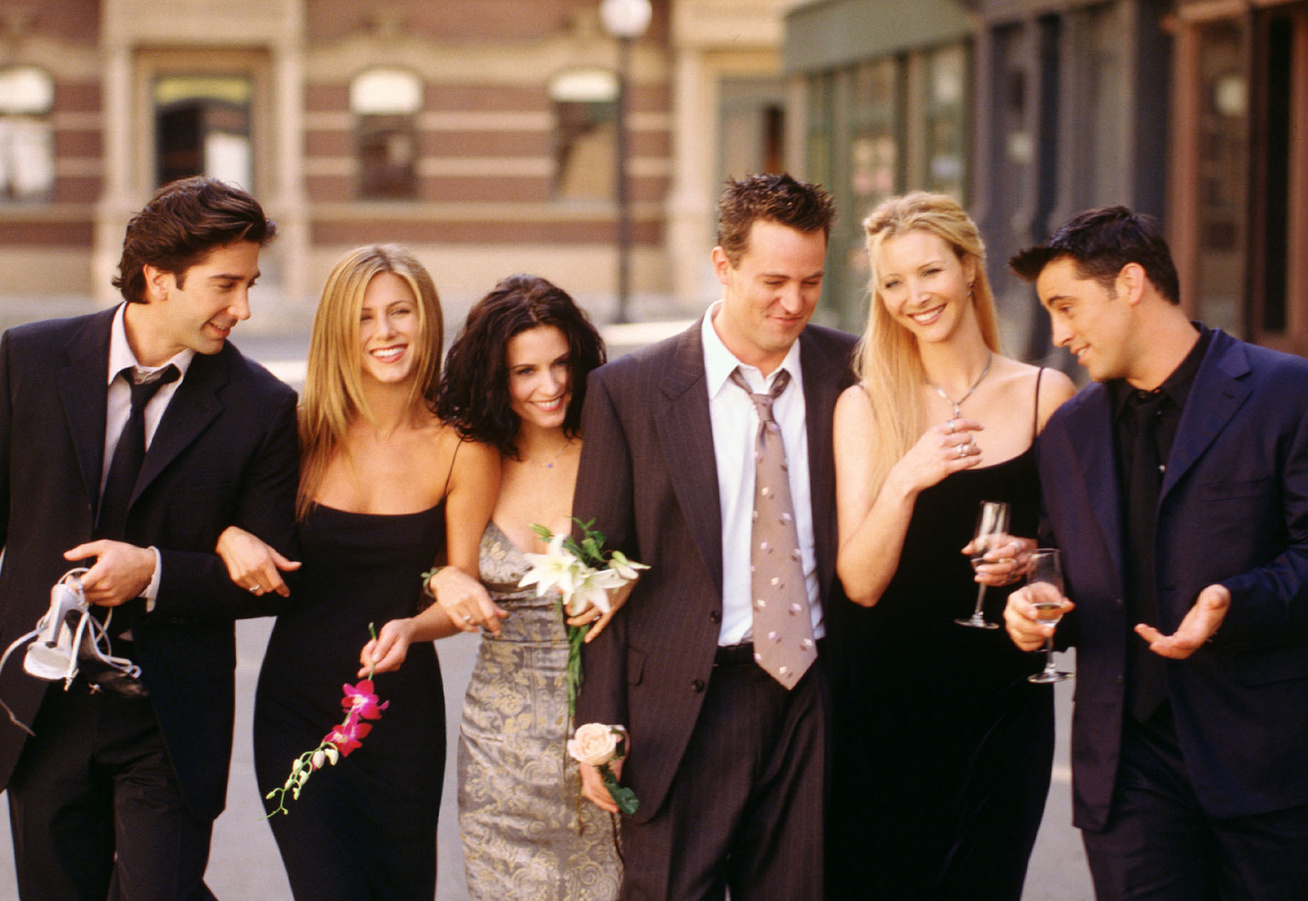 mikor csatlakozott először Chandler és Monica