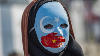 Az ujgurok elnyomása miatt tett tiltólistára 28 kínai céget Washington