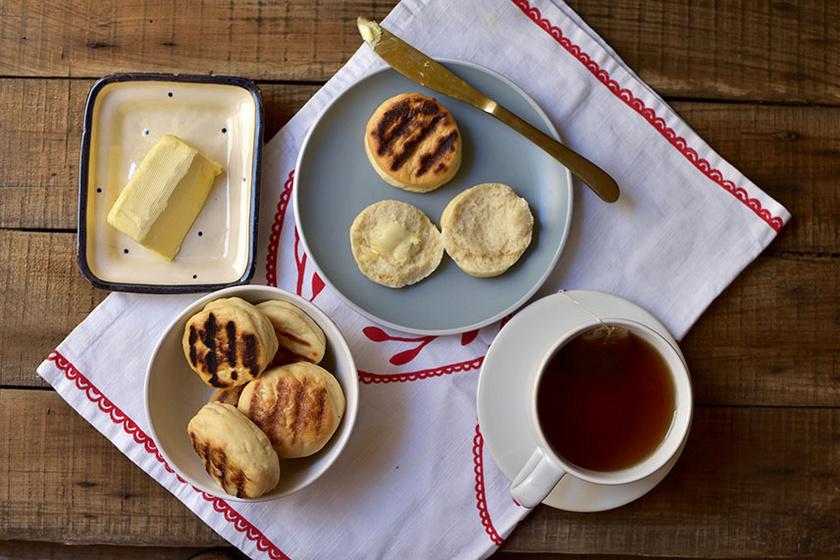 A muffin, ami valójában zsemle - Így készül az angolok reggeli péksütije