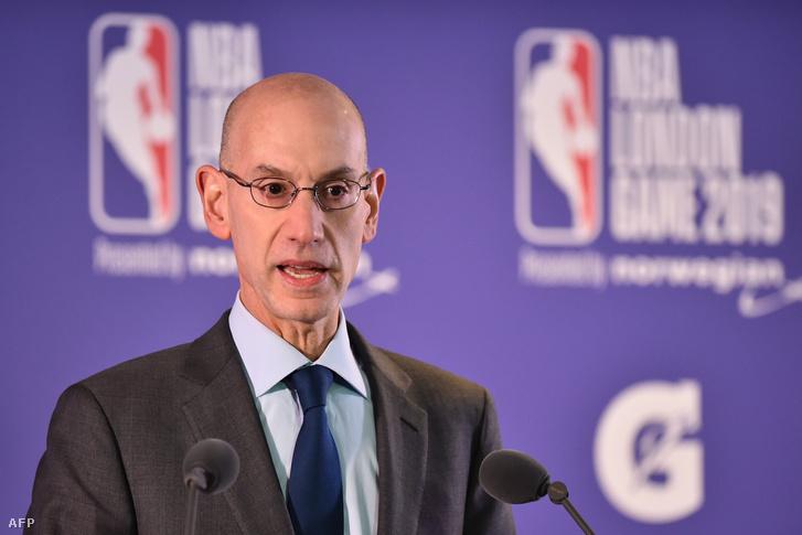 Az NBA vezetője, Adam Silver