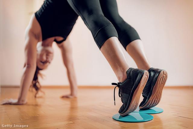 A csúszókorong nagy segítség a core-gyakorlatoknál