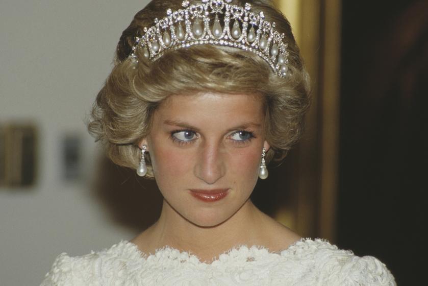 Kiköpött Diana hercegnő - Az őt alakító színésznő a megszólalásig hasonlít rá