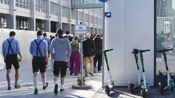 414 embert kaptak ittas elektromosroller-vezetésen az Oktoberfesten