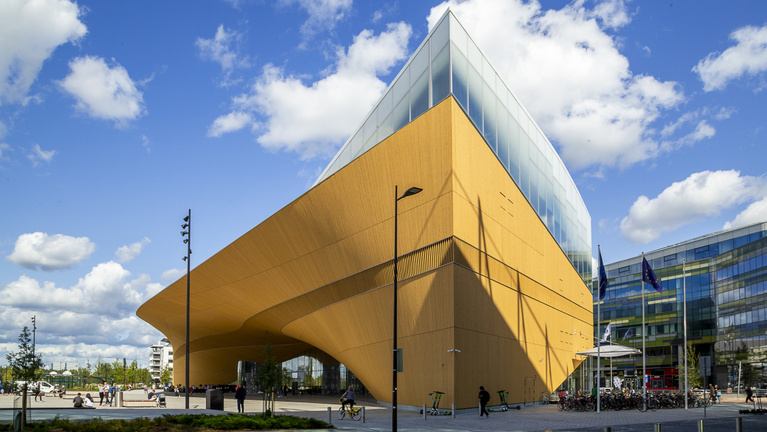 Mit tud a világ legjobb könyvtára, ahová megnyitása óta özönlenek az emberek?