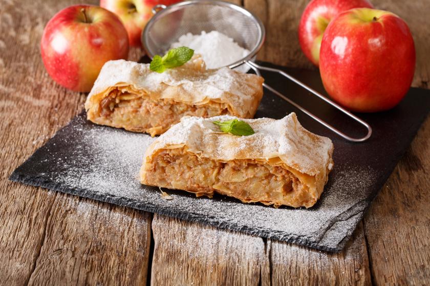 Almás rétes vastag töltelékkel: bolti tésztából a leggyorsabb