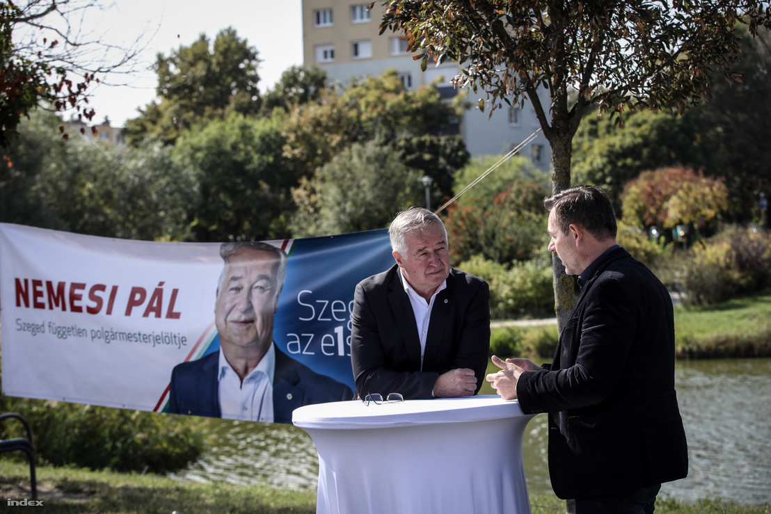 Nemesi Pál (bal oldalt) kampány közben