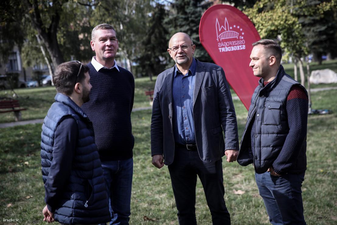 Balról-jobbra: Kalmár Gábor kabinetfőnök, Botka László, Binszki József önkormányzati képviselő és Fodor Antal, az Összefogás Szegedért képviselőjelöltje