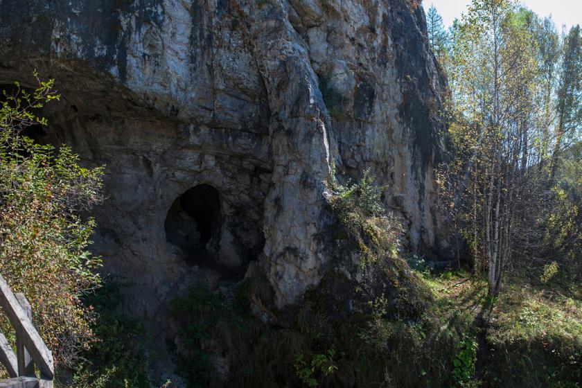gyenyiszovai-barlang-2