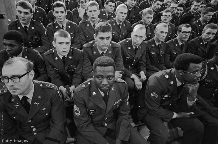 Az egyik utolsó osztag, akiket az alapkiképzést követően, Fort Polkból egyenesen Vietnámba szállítottak 1971-ben