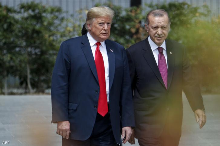 Trump és Erdogan egy NATO gyűlésen 2018-ban
