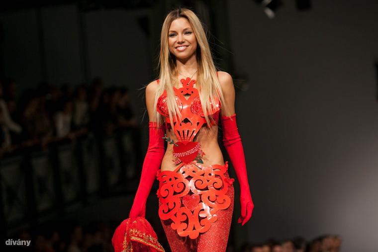 Ez a kép március 22-én készült, Király Tamás divatbemutatóján