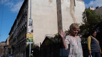 A józsefvárosi önkormányzati lakások ötöde áll üresen, és mindet fel kell újítani