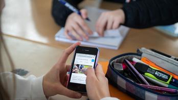 Wifi lesz minden iskolában, a diákok okostelefonon írhatnak dolgozatot