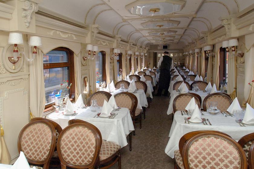 Ilyen egy igazi luxusvonat Oroszországban - 5 millió forintba kerül a legolcsóbb jegy
