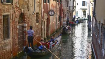 Júliustól belépődíjat szednek a turistáktól Velencében