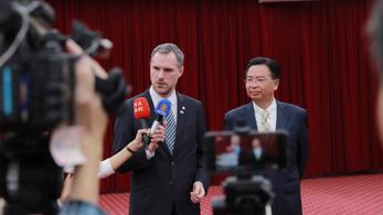 Peking minden hivatalos kapcsolatot megszakított Prágával