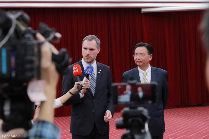 Jausieh Joseph Wu, a Kínai Köztársaság (Tajvan) külügyminisztere és Zdeněk Hřib polgármester Tajpej városával való szorosabb együttműködés előremozdítását támogatja