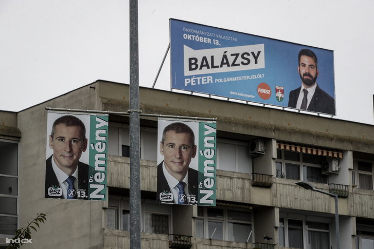 The campaign posters of Fidesz's Péter Balázsy and the opposition's András Nemény in Szombathely.