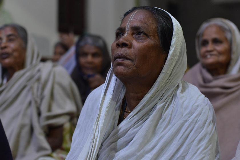 A száműzött özvegyasszonyok városa: ha nem lesznek öngyilkosok, megvetik őket Indiában