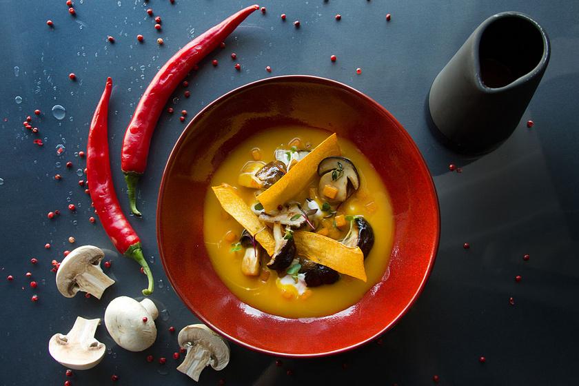 Thai curryleves sütőtökkel és shiitake gombával - Ha valami különlegesre vágysz