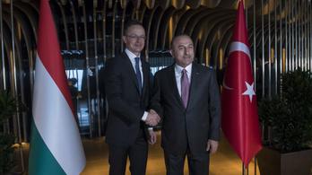Szijjártó: Az EU a globális politikai hitelességét amortizálja