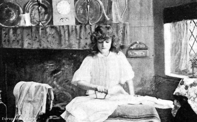 Vasaló nő képe 1900-ból