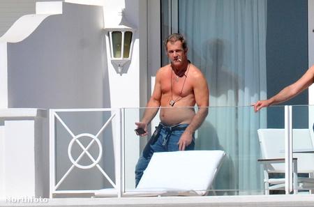 Mel Gibsonon kívül még 10 gyereke van Hutton Gibsonnak