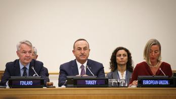 Az EU szankciókat vethet ki Törökországra a kurdok lerohanása miatt
