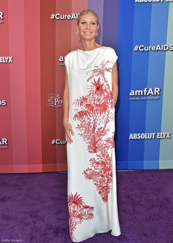 Amíg Eva Longoria alakját kifejezetten kiemelte a ruhája, addig Gwyneth Paltrow nyaktól lefelé teljesen eltűnik ebben az egyébként gyönyörű téglalapban.