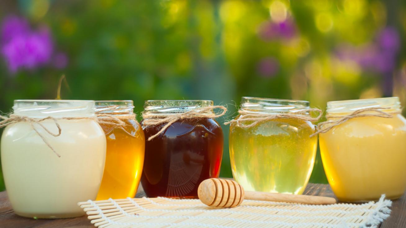 Mire jó a hársméz, az akácméz, és mire az erdei méz? Mézfajták és gyógyhatásaik
