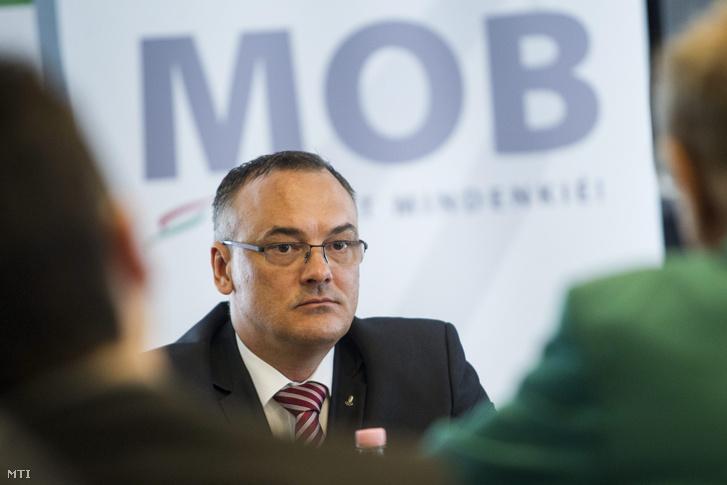 Borkai Zsolt a Magyar Olimpiai Bizottság (MOB) elnöke a Környezetügyi Együttmûködési Keretmegállapodás aláírásáról tartott budapesti sajtótájékoztatón a MOB székházában 2014. március 24-én.