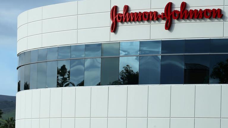 2400 milliárdos büntetést kapott a Johnson & Johnson